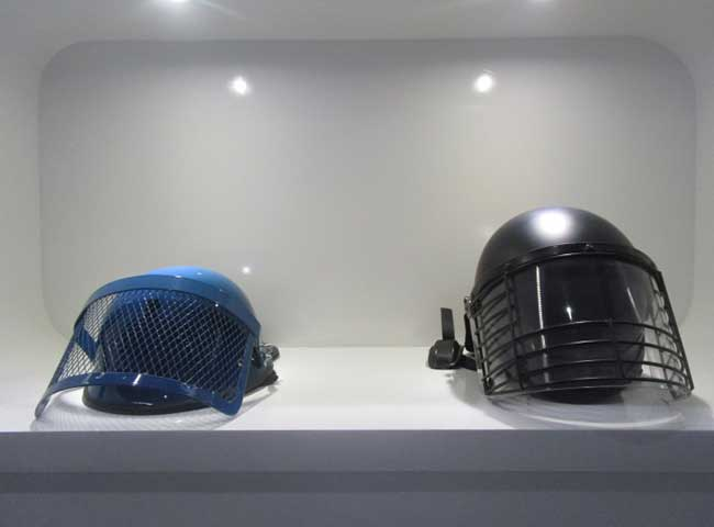 anti riot helmet display